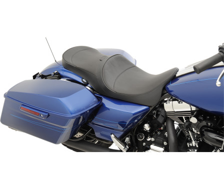 LOW-PROFILE TOURING SEATS WITH EZ GLIDE II BACKREST OPTION-