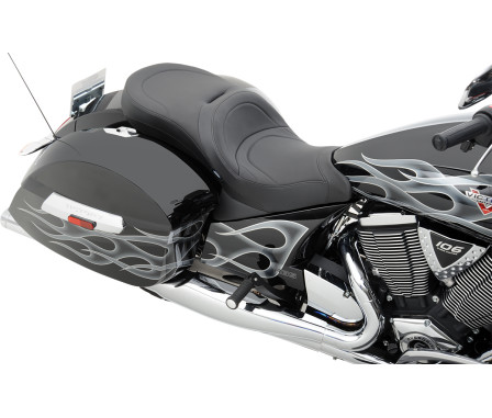LOW-PROFILE TOURING SEATS USING VICTORY OEM BACKREST-